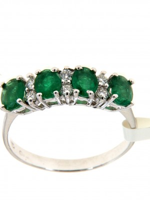 Fedina di fidanzamento con quattro smeraldi a taglio ovale e sei brillanti - fed-223